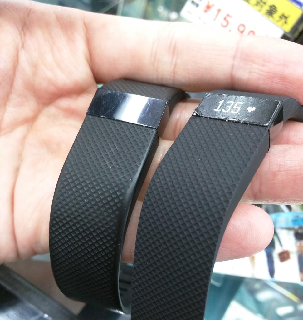 Fitbit charge HRの11ヶ月使用後と新品比較