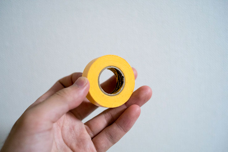 黄色いマスキングテープ
