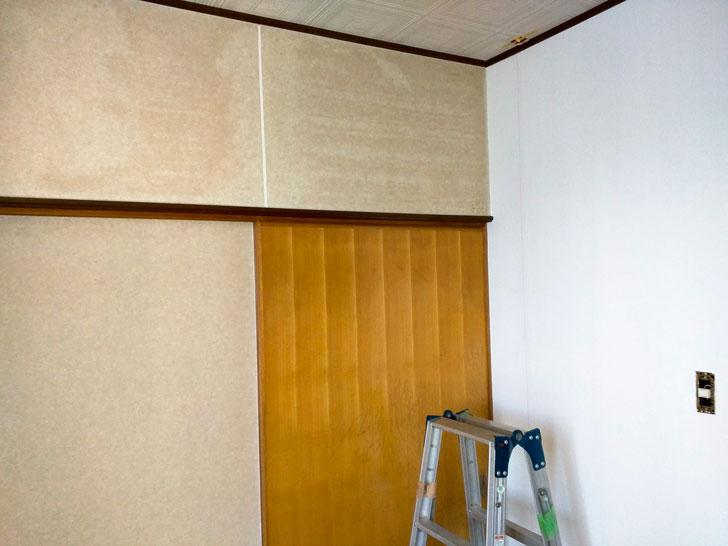 壁紙を貼り替える前