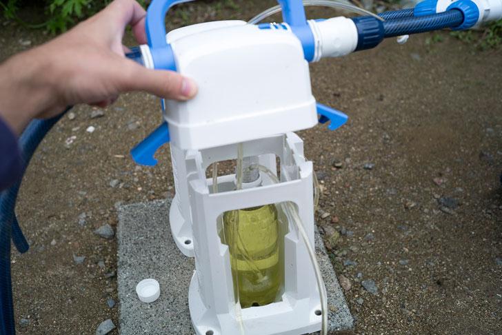液肥希釈キットにペットボトルを取り付けた様子