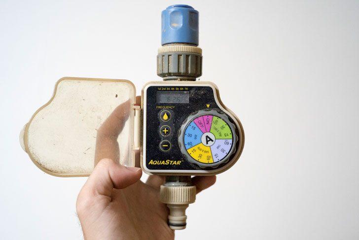 水道のタイマー付き電磁弁